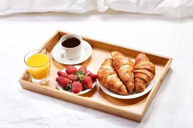 老年人早餐吃什么,有利于肠道,延缓耳聋和眼花