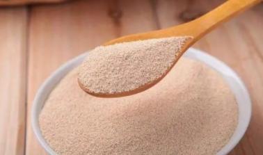 一斤面粉应该放多少酵母?除了看说明外,牢记3点,个个蓬松煊软
