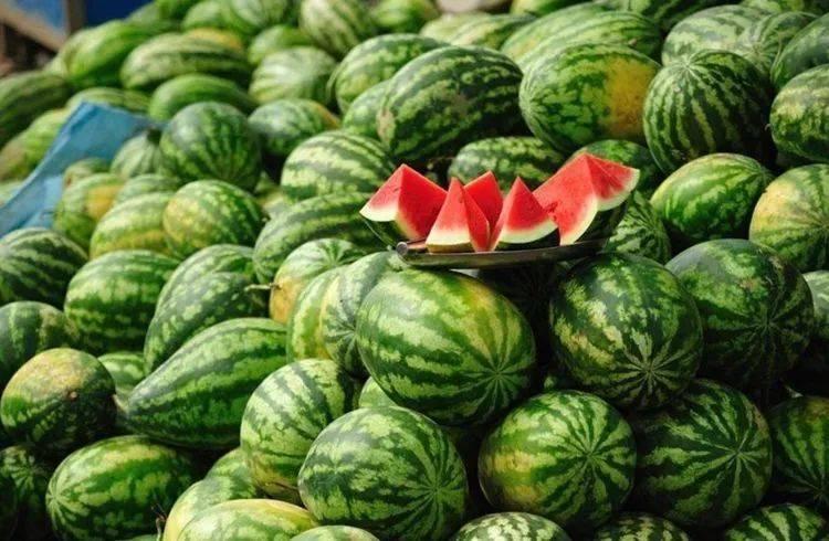 """超市的西瓜为啥切开卖?""""套路""""太深,你上当了吗?"""