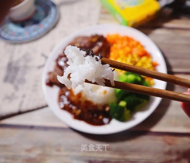 低脂低热量黑胡椒牛肉盖浇饭的做法