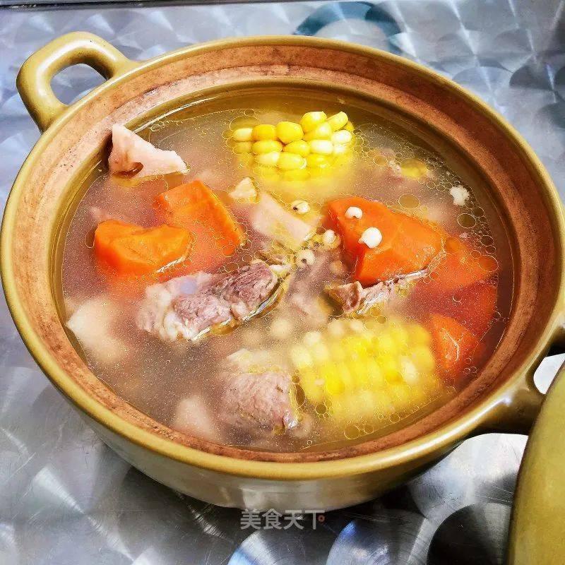 玉米萝卜莲藕骨头汤的制作方法
