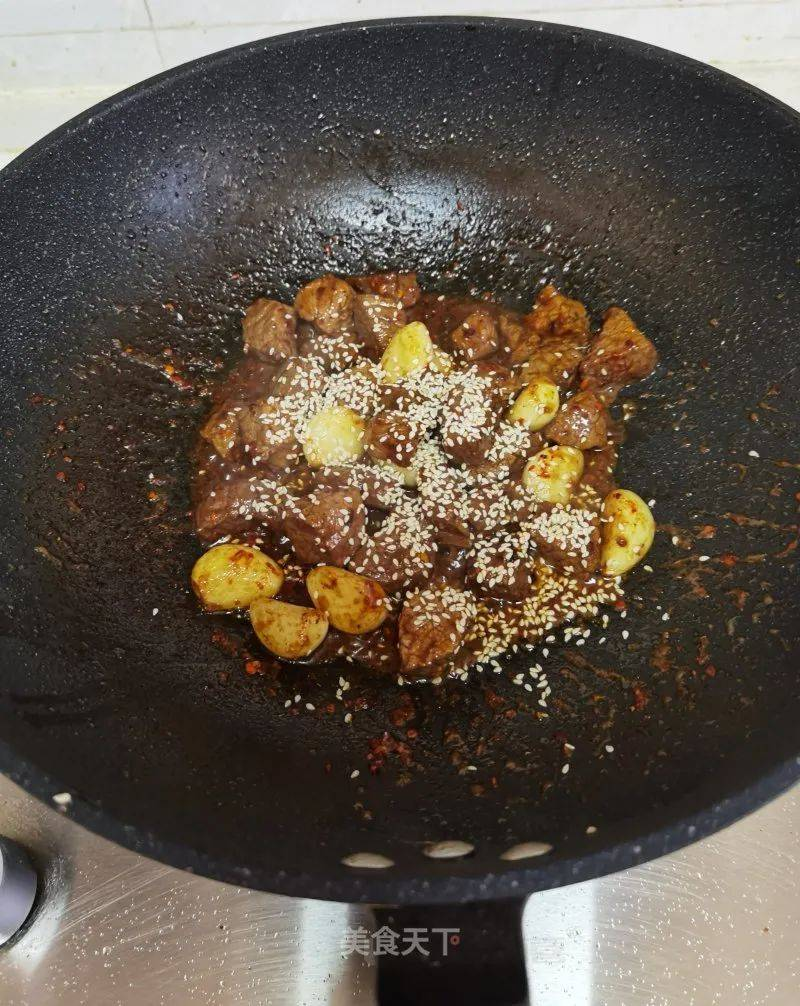 蒜香牛肉粒的做法