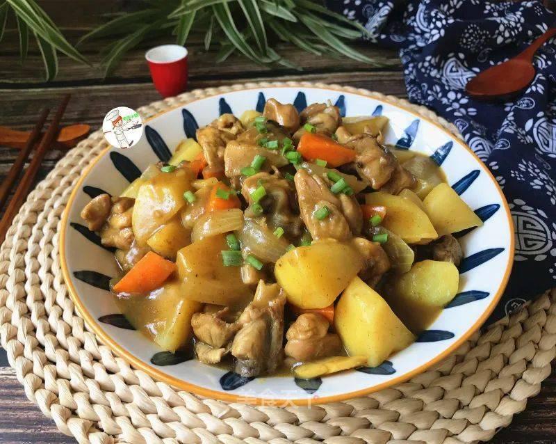 咖喱鸡腿炖土豆的做法