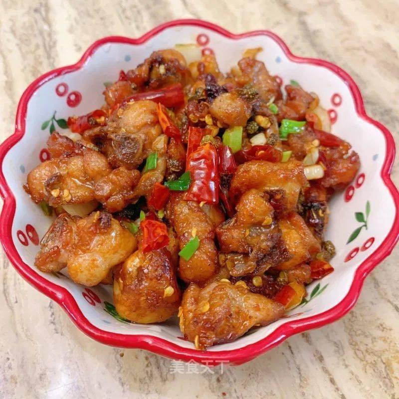 辣子鸡丁怎么做好吃?