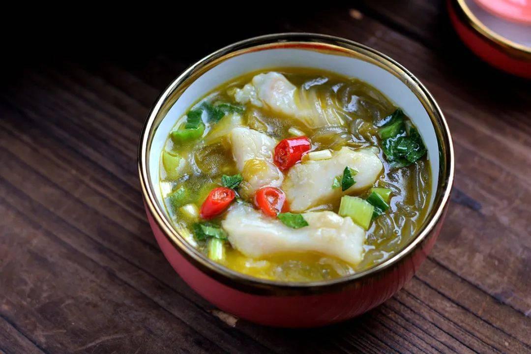 酸菜粉条巴沙鱼的做法