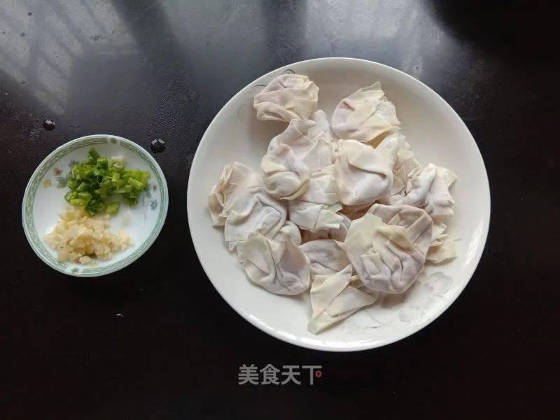 酸汤鲜肉馄饨怎么做好吃